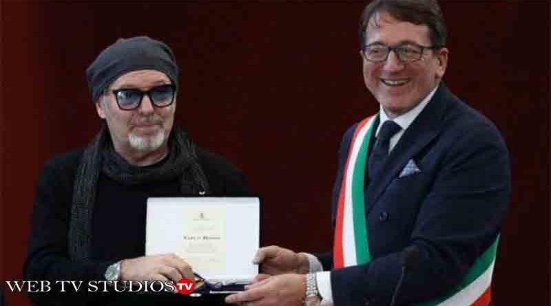 Vasco Rossi riceve le chiavi di Modena