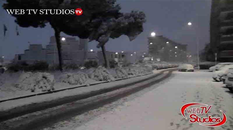 Roma arriva l'inverno ! Neve a Roma Cinecitta Est e Arrivato Buran – Romavideoeventi