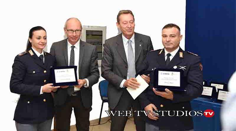 """Pisa: prima edizione del premio I-Care premiati 4 agenti della Polizia di Stato per """"azioni eroiche"""""""
