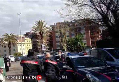 Ostia: Carabinieri sono arrivati in tempo per sottrarli al linciaggio