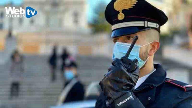 Roma da Piazza di Spagna: nuove uniformi di servizio per i militari dell'Arma Carabinieri
