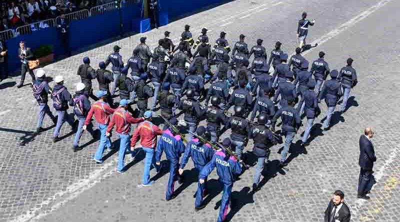 Roma 2 Giugno: Sfilata Polizia di Stato
